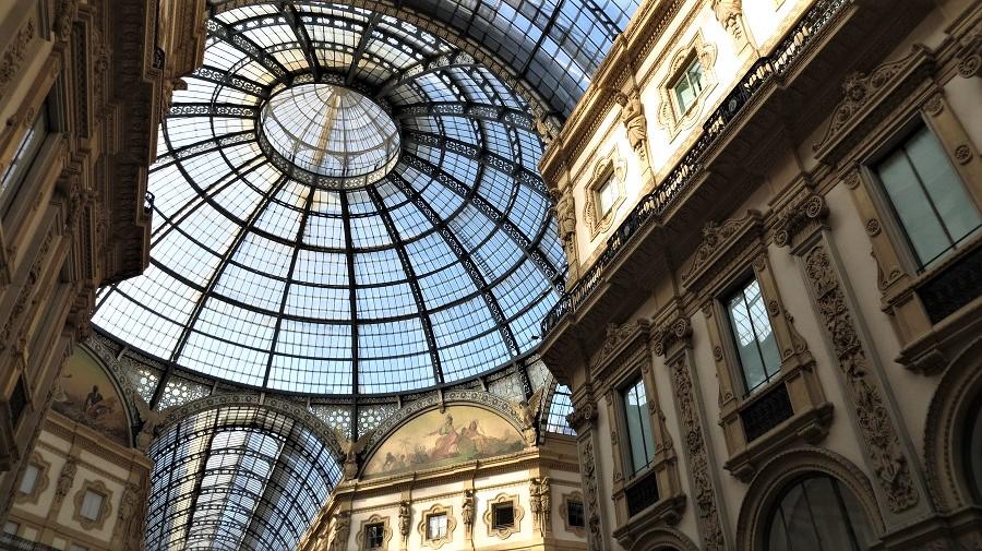 Ergänzung zum Text: Das Innere der Einkaufspassage Galleria Vittorio Emanuele II. Pin it Button für das Netzwerk Pinterest.