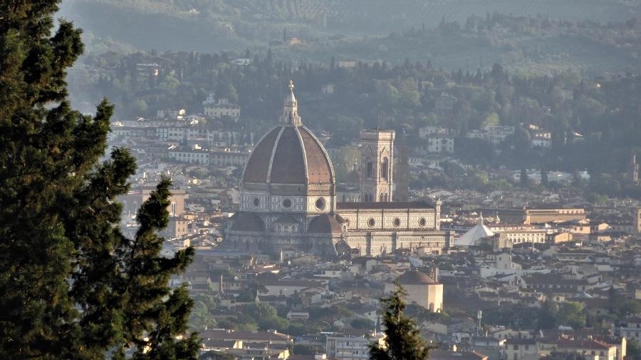 Ergänzung zum Text: Blick auf den Dom von Mailand von Fiesole aus. Pin it Button für das Netzwerk Pinterest