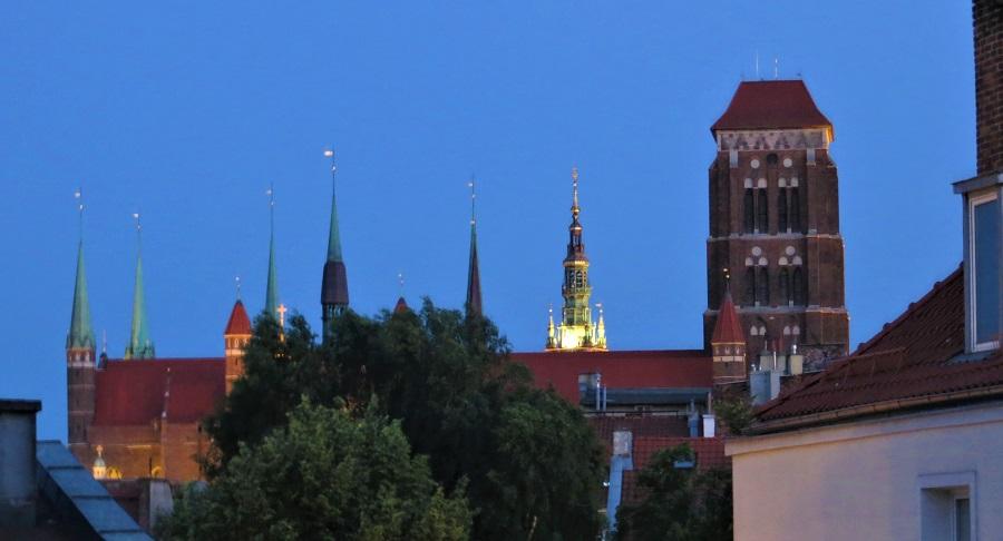 Zur Ergänzung des Textes. Blick auf die Marienkirche bei Sonnenuntergang.