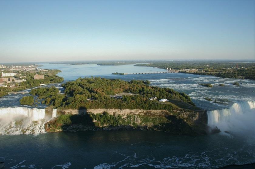 Blick von oben auf die Niagara Fälle
