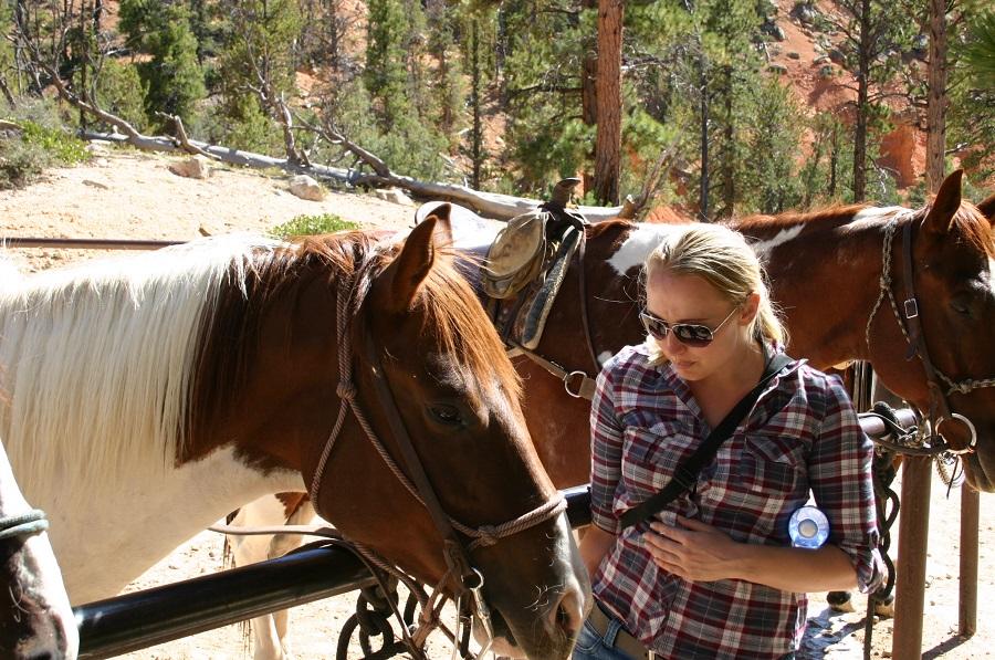 Autorin beim Horseriding im Bryce Canyon, USA